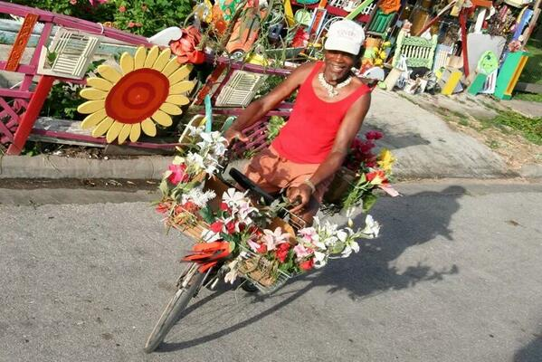 "Rip Cleveland ""the flower man"". You created beautiful things out of nothing. #beautifulpeople #orangeshow http://t.co/ymsK64FYSx"