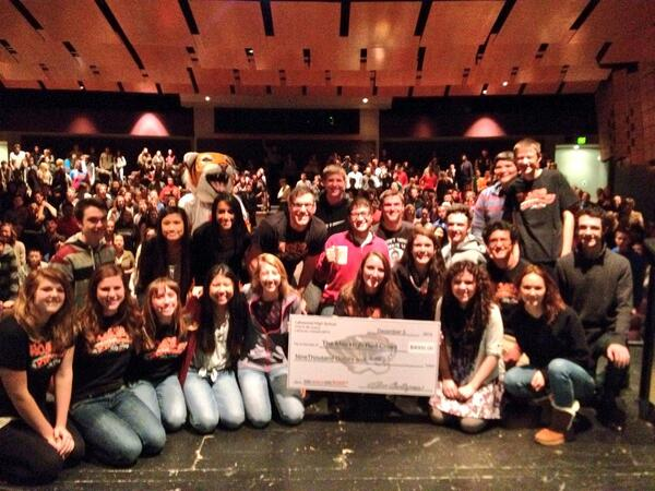 Lakewood HS Tigers present >$9,000 to support @redcross disaster relief! THX!! #OneWorldOneRoar @JeffcoSchoolsCo http://t.co/JGwoGb9rEy