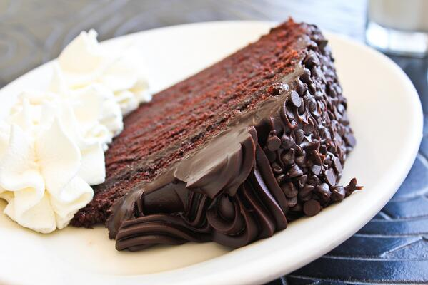 """""""Let's face it, a nice creamy #chocolate cake does a lot for a lot of people; it does for me."""" ~Audrey Hepburn http://t.co/A6N3yozSj4"""