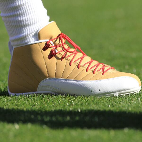 Best cleats in the #NFL. Ever. @KingCrab15 http://t.co/rIkRUbzxD0