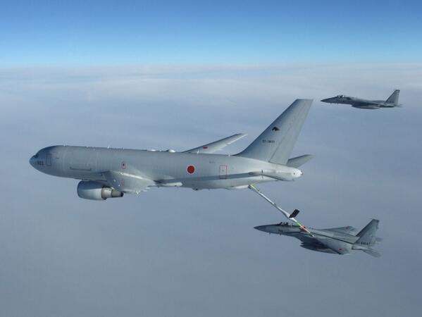 【YouTube掲載情報】KC-767空中給油・輸送機の同乗取材を伴う報道公開が行われました。今回掲載した動画では、空中給油の様子をつぶさにご覧いただけます。是非ご覧ください!http://t.co/OcJKKFOpmW       http://t.co/3LUpxOf6U0