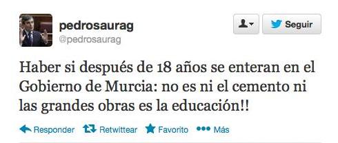 Xose Morais (@XoseMorais): Un diputado del PSOE exige que se mejore la Educación. Y lo hace en un tuit... con faltas de ortografía. Para llorar. http://t.co/GnuraYmqTL