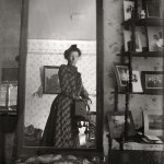 RT @Fact: A woman taking a selfie in 1900. http://t.co/Ph9scFJuUC