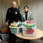 Congrats to @algonquincolleg Police Foundations students for dropping off much needed supplies for @youvillecentre. http://t.co/8uz7IGVLg3