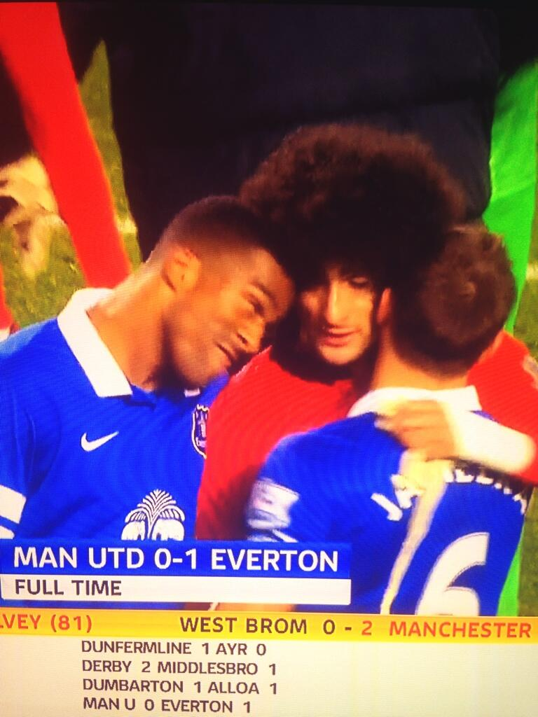 WTF? Sylvain Distins (joke?) headbutt on Maroaune Fellainis afro