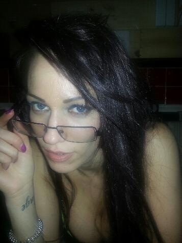 Hazel Badass bond (@hazelbondxxx): Sexy http://t.co/F5ztCIbnet