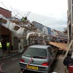 RT @BeebJournalist: Scaffolding collapse in Clifton, Bristol. No reported injuries. http://t.co/5wGrd0xIf1