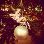 RT @9GAG: Its Christmas season! #mileycyrus http://t.co/f0xmv9QSug