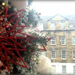 The #Edinburgh snows started to fall just in time for todays #WhiteChristmas matinee :) http://t.co/TPtQIB7ZB0