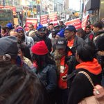Massive crowd heading towards Wendys at Fulton Mall #fastfoodstrikes #d5 http://t.co/1oCwrSPUcg