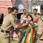 "Cong AP Cops molest BJP woman worker in public http://t.co/WCuUTW8w3C for protesting against  http://t.co/lRnmIBVO40"" @m_Lekhi @MrsGandhi"