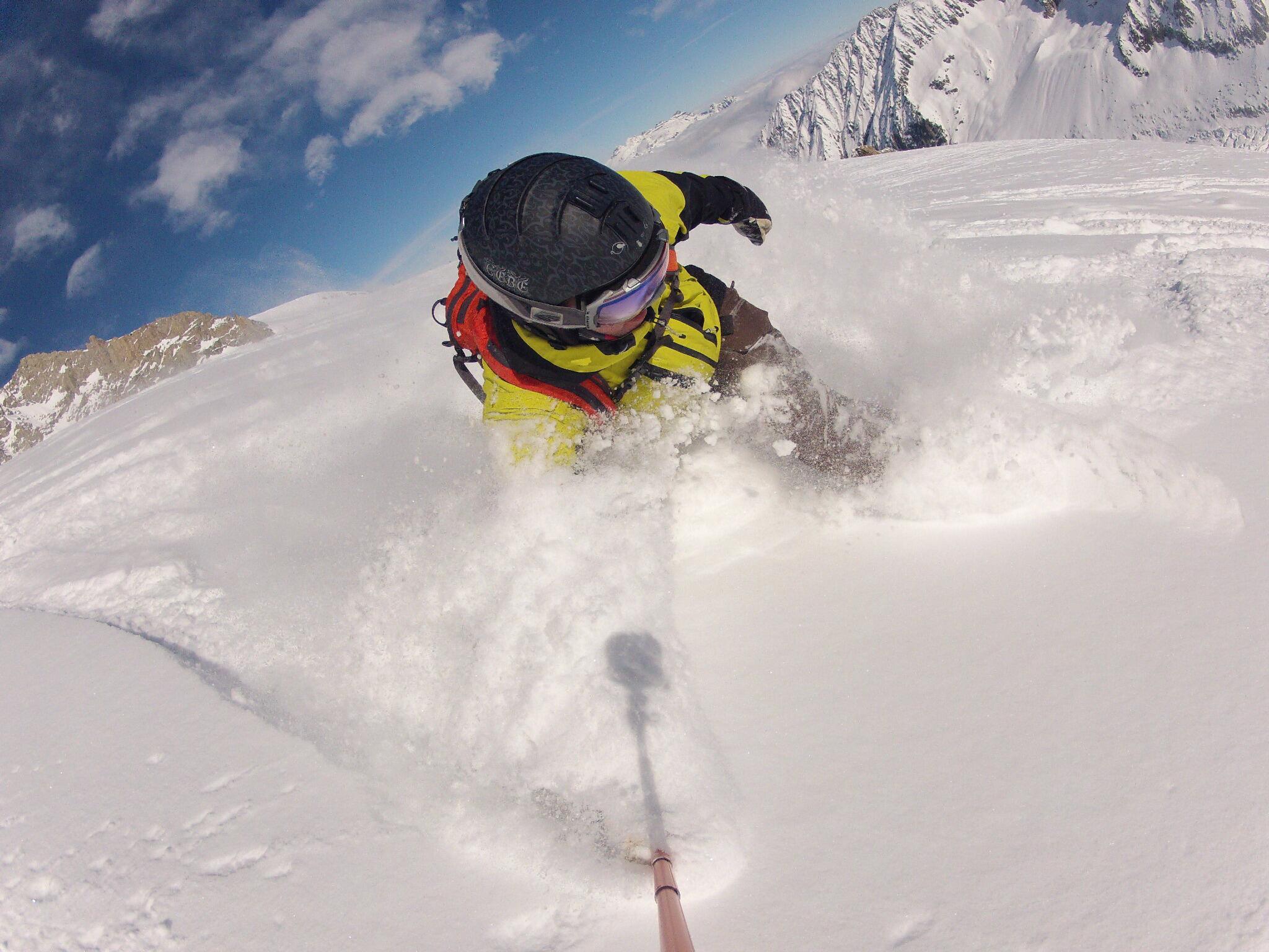Shredding Chamonix powder with @pehrson73. http://t.co/V5MPhWYjtw