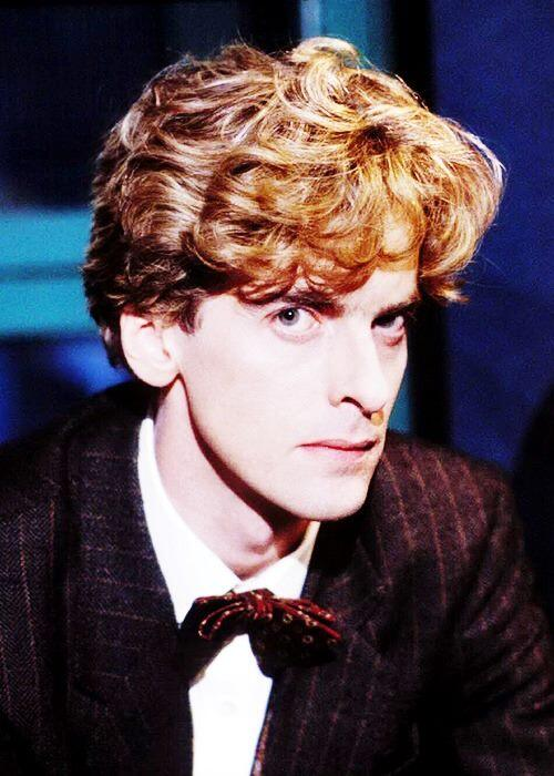 Malinky Stoatir (@malinky2stoatir): Just think:  (Tom Baker + David Tennant ) adopted by Matt Smith = a very young and beautiful Peter Capaldi. #12Doctor http://t.co/ZE1jIMMQA6