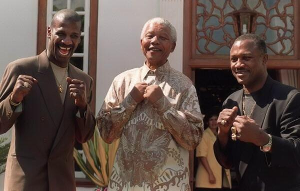 Spinks @NelsonMandela and Frazier http://t.co/ZEE1FrvcAN