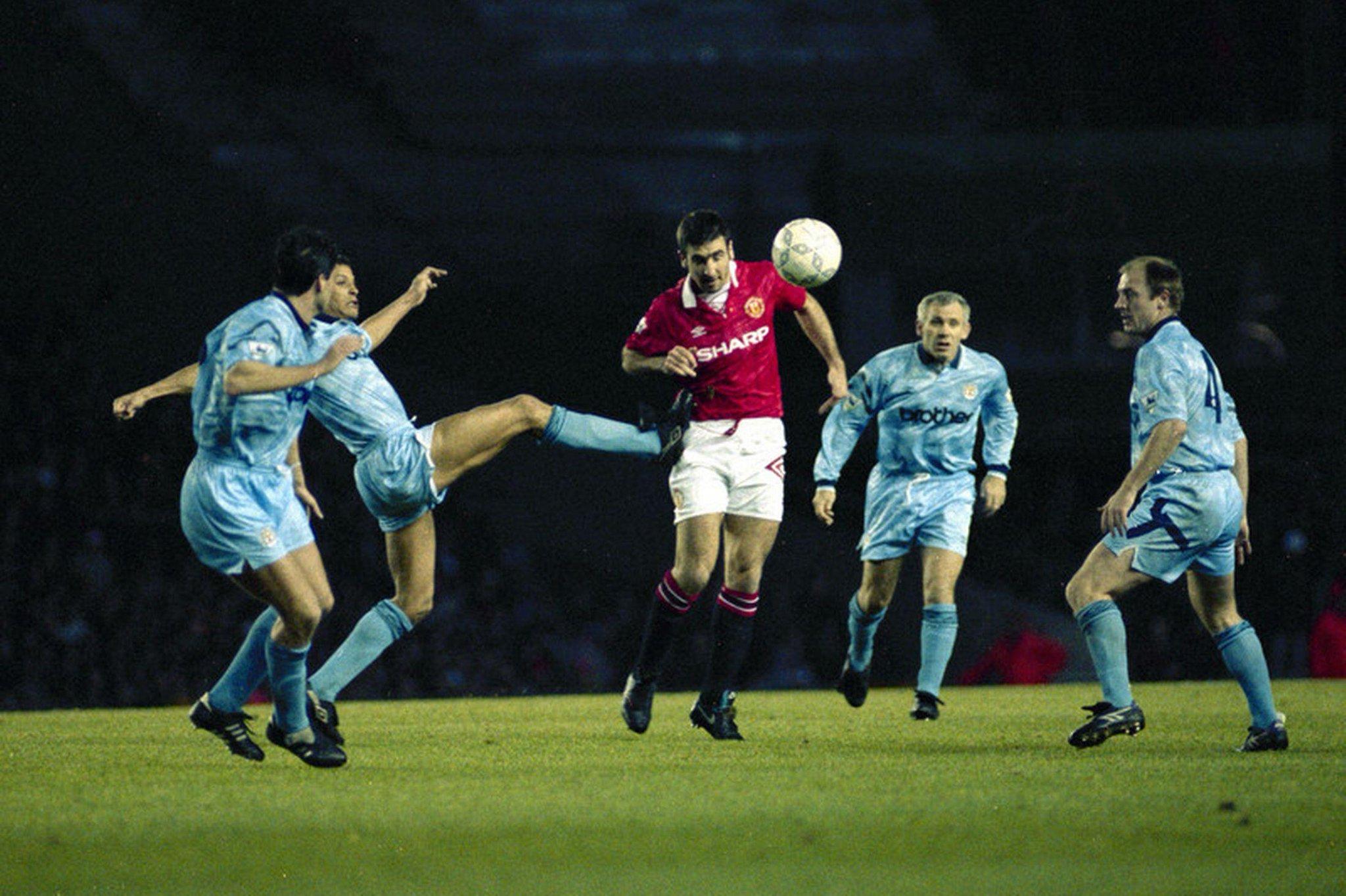 #OnThisDay 1992 | Eric Cantona melakoni partai debutnya ketika mengalahkan City 2-1 http://t.co/caYpIIzTBk