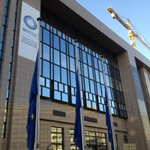 RT @EUCouncilPress: For the next 3 days, @EUCouncil flags will be flown at half-mast in honour of Nelson #Mandela. http://t.co/jyGG3oCec9