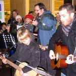 Pls join us inside the @BathXmasMarket on Sat 7 Dec (6-8pm) for our @MacmillanAvon charity Xmas busk. @NOWBath http://t.co/eN1STLnnVb