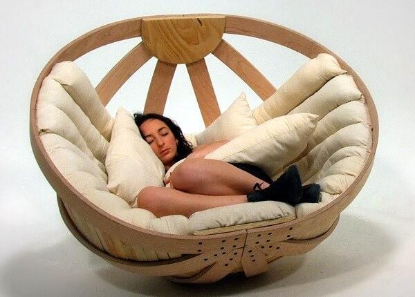 Колыбель для взрослых. Это кресло создано для того, чтобы дарить комфорт, безопасность и расслабление. http://t.co/9jnmOq1uwn