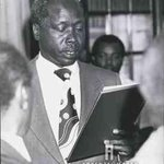 Daniel Moi is sworn in as acting president after the death of Mzee Kenyatta in 1978 via Camerapix #KenyanHistory http://t.co/Re3LoA0mcf