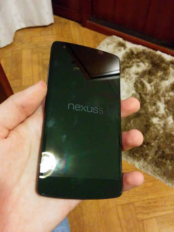 @TRENTSENSE and this is my dad's. We got all of the Nexus 5s lol. http://t.co/u6RYHe9VRR