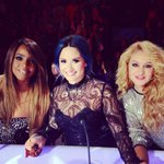 RT @ddlovato: ❤️ my girls!!! #xfFINALE @KELLYROWLAND @paurubio http://t.co/YqtcMIExgi