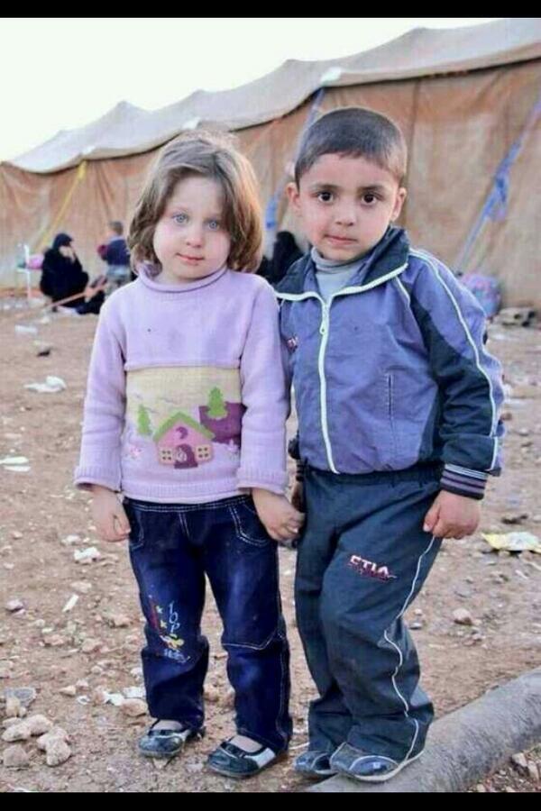 هل جهِلتم؟ أم بخِلتُم ! أم عميتُم أن تروني! شُلّى طرفي ، مات نصفِي ، جف دمعي في عيوني!  لاتنسوا اخوانكم في سوريا http://t.co/8UDqYGbz3O