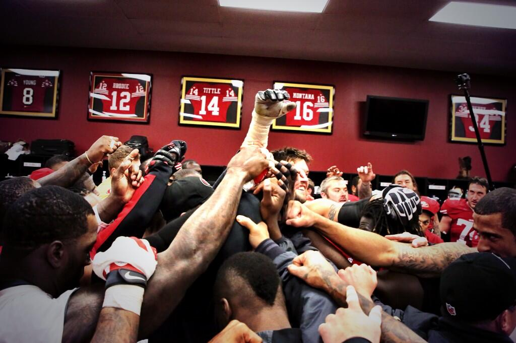RT @49ers: Postgame celebration. #49ers http://t.co/0SGbZOSZPd