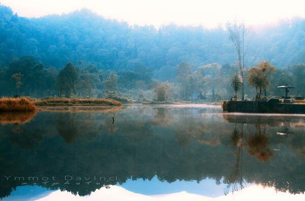 Danau Situgunung, Sukabumi. Photo by: Ymmot Davinci II. http://t.co/ApJ1vq7jW4