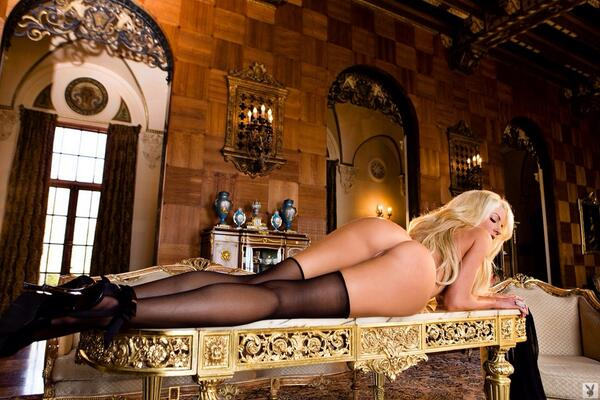 The Sexpedition introduces this sexy darling @Nicolette_Shea