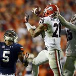 Cool optical illusion: This picture looks like Auburn going to the Capital One Bowl. http://t.co/w8owkYwz11