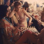 RT @HistoryInPics: Showgirls playing chess backstage at the Latin Quarter nightclub - New York, 1958 http://t.co/FF8FnLbGf6