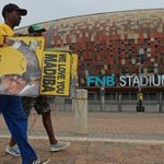 Tens of thousands of mourners & world leaders due at Nelson #Mandela memorial service http://t.co/eXTEVQoA2R