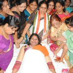 RT @DeccanChronicle: Fake blood donation by women leaders shames Congress in AP | http://t.co/yIN61BHDGX -