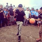 Justin Bieber playing basketball in Tacloban with Yolanda survivors! Nice! :D ???? @justinbieber #MaramingSalamatBieber http://t.co/GMVZFF2szq
