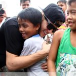 RT @PhilippineStar: .@justinbieber meets with young typhoon survivors in Tacloban, Philippines http://t.co/o73VYN4E0Q | via @AFPphoto