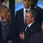 Obama shakes hands with Cuba's Raul Castro at #NelsonMandelaMemorial http://t.co/UoRUCspW76