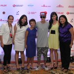 RT @SMARTCares: Smart Postpaid Team & endorser @AnneCurtisSmith thanked @JustinBieber for his help in #YolandaPH. http://t.co/w6W1Qyb9XG