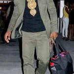 RT @VivaLaNafi: 🔫🔫🔫 RT @BasedTurtleGawd: Lebron look like a Jamaican drug lord http://t.co/JOfgtirADp