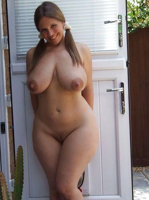 Большие бедра и сиськи голых женщин фото