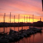 RT @MarinaPlymouth: Wow, what a sunrise!... #Plymouth #Devon #sailing http://t.co/9NqbuhMQoh