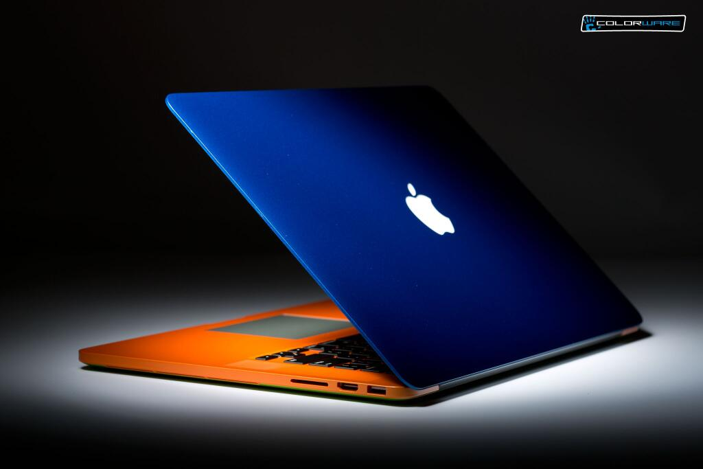 A great way to enhance the look of your office! Add some color to your #MacBookProRetina. #colorware #custom http://t.co/qCboXyeVBc