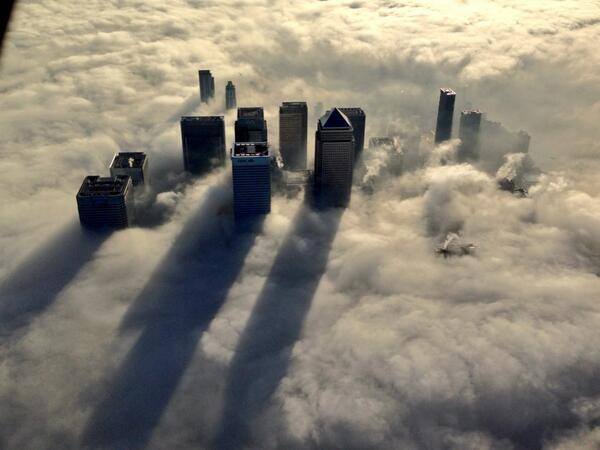 Katie Martin (@katie_martin_FX): wow! RT @metpoliceuk: Stunning images from above a foggy #London today by our Helicopter http://t.co/JP0VUiL5It