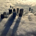Fog hangs over London today. from @MPSinthesky http://t.co/2xPb5oTI34