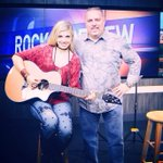 Thanks @wztv_fox17 #Nashville for having me in studio to talk about @BreedloveGuitar and @TwoOldHippies! #music http://t.co/MQZk4XWy8G
