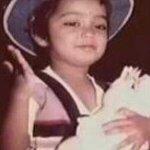 """@kanchan_shreya: @shreyaghoshal awww choooo cute <3 :* http://t.co/kFn1Ow4A5b"" oooh that's a rare pic:)"