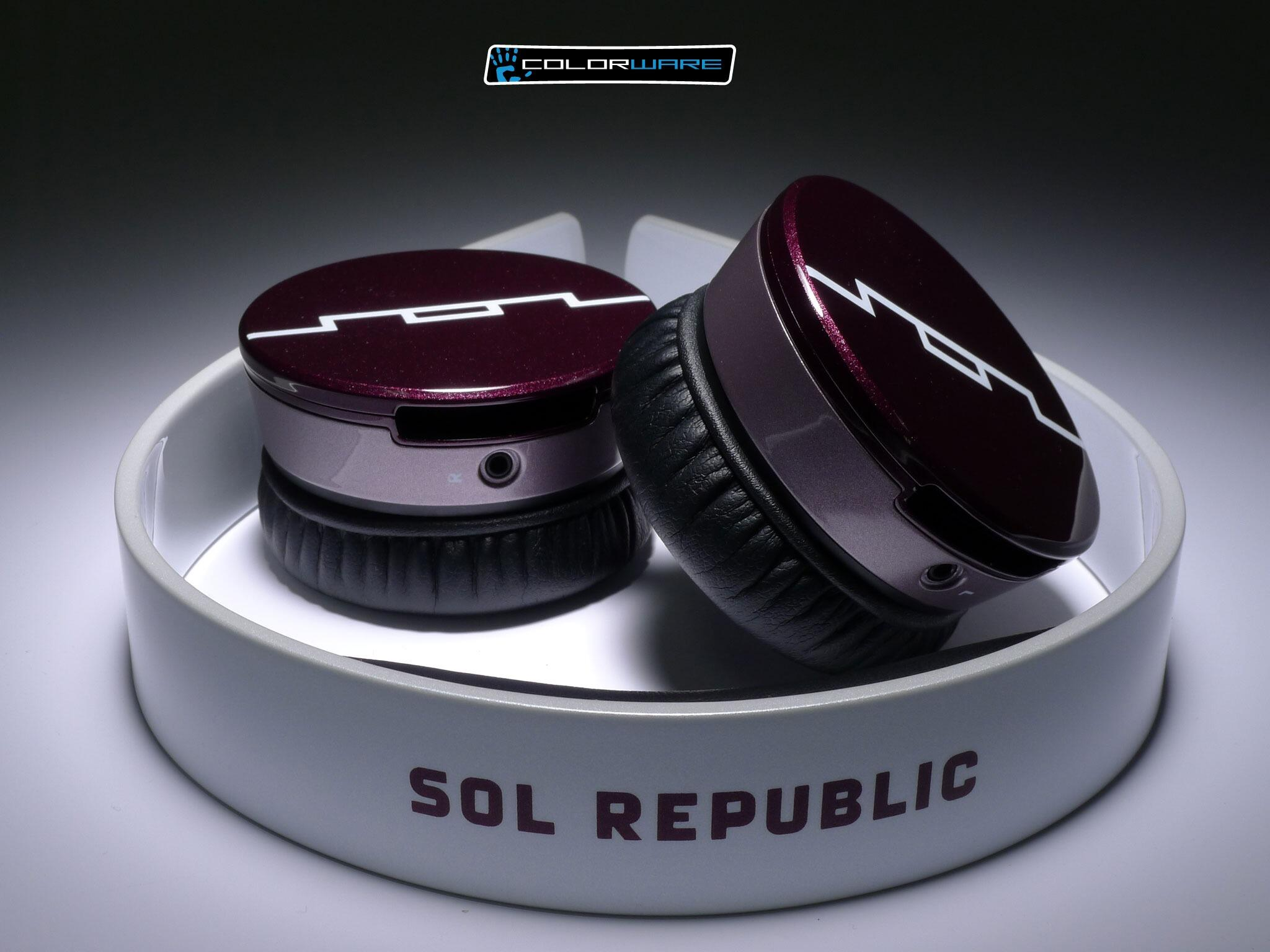 Give your headphones a splash of color! #colorware #custom #solrepublic #headphones http://t.co/op3nTuIFh3