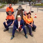 RT @DarrynLyons: Flowers are in! @Geelong_Mayor http://t.co/mjIG6k2kUw