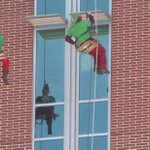 """@actionnews5: Elves hung from LeBonheurChilds roof today washing windows!! More: http://t.co/Ow3EZuVkEM http://t.co/LpaX8hjNs9"""