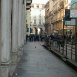 Corteo in via milano e v s Francesco http://t.co/Es5qhi46M3
