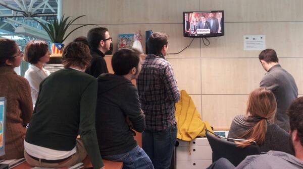 L'equip de #Polònia veient com el president ens enfonsa el programa d'avui. http://t.co/Dlzq5pEt9o